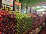 新鮮な果物の種類が豊富なニューヨークのスーパー『フェアウェイマーケット』