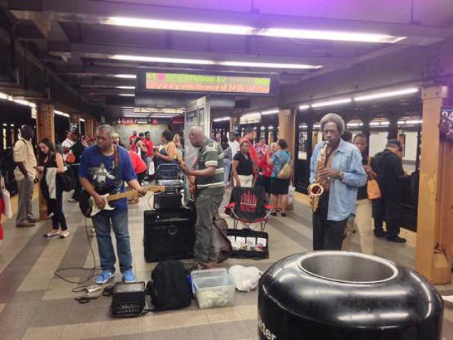 ニューヨーク 路上ライブパフォーマンス