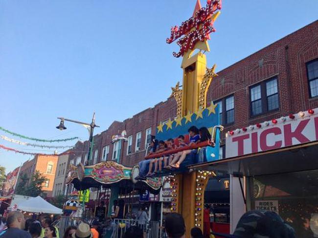 ニューヨークアストリアの小さなお祭り 子供用ジェットコースター