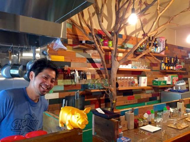 沖縄ジャージャー麺屋「モガメン」店主のモガミさん
