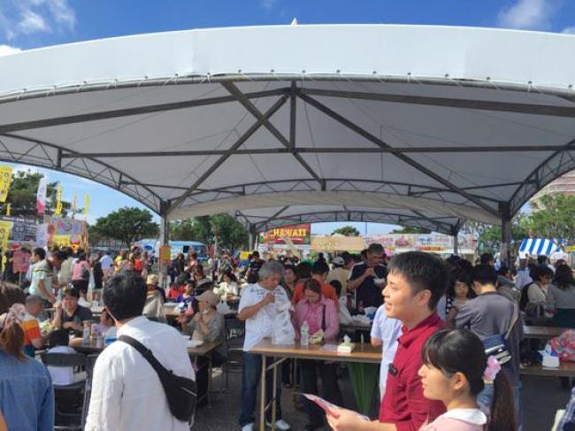 沖縄グルメ頂上決戦中央食事場