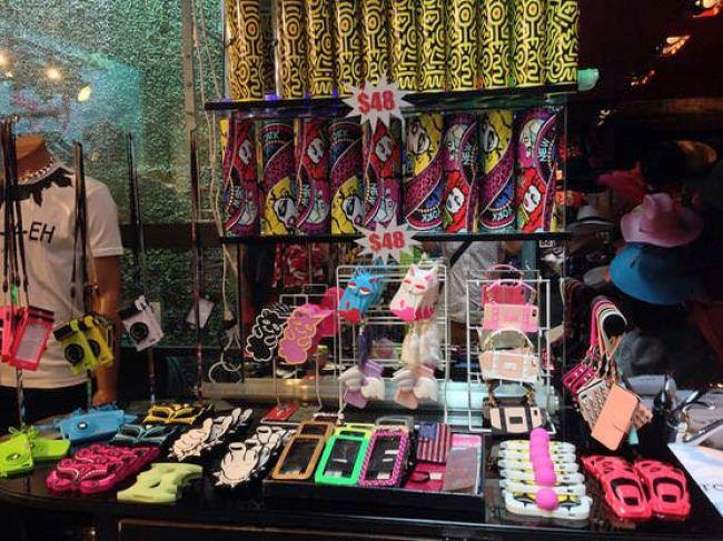 ニューヨークのPatricia Field (パトリシア・フィールド)店内で販売しているiPhoneケース