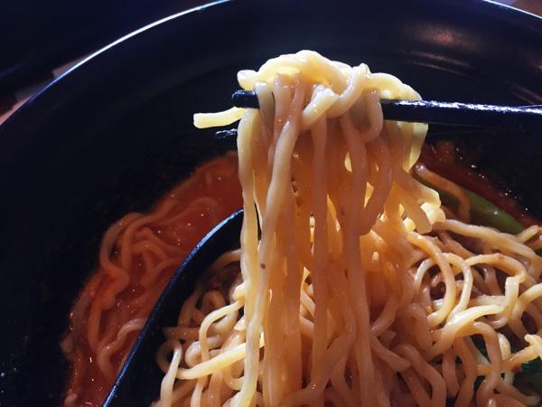 那覇小禄ジャスコ内「壺中天菜館」担々麺