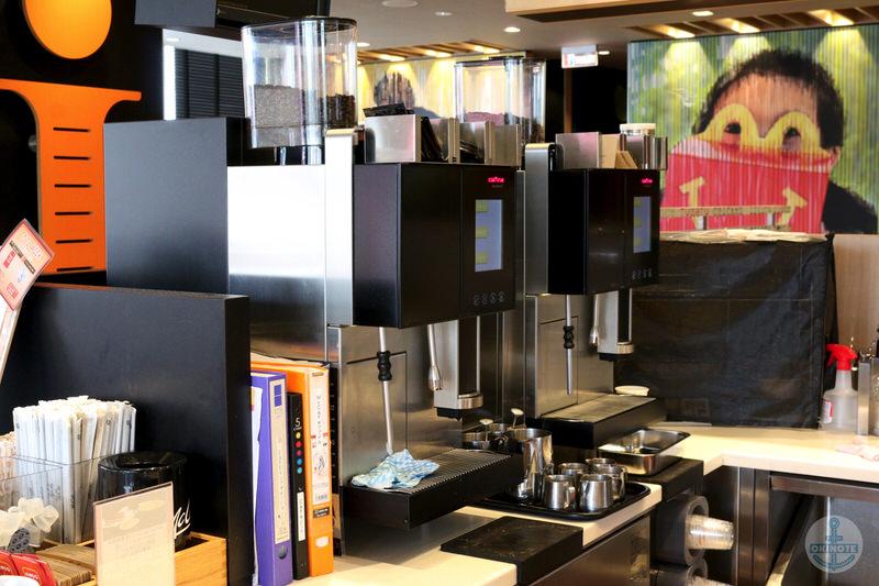 マックカフェ バイ バリスタのコーヒーマシン