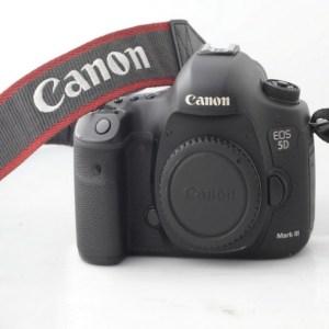 Sewa Murah. Camera 5 D Mark III Body