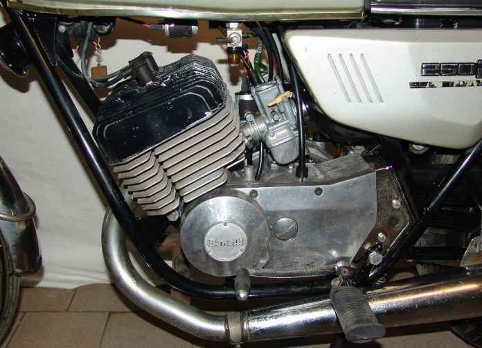 motore sinistro