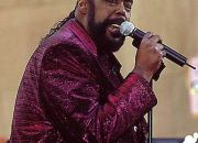 barry-white-never-gonna-give-you-up