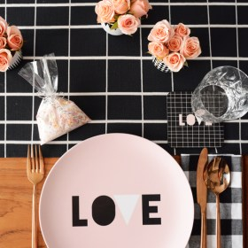 Throw an Easy and Elegant Valentine's Day Party