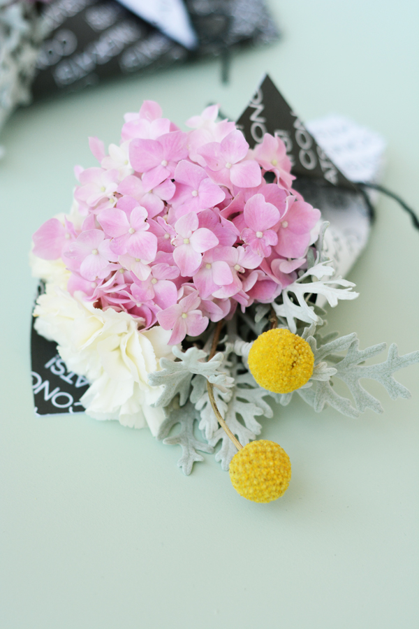 DIY mini grad bouquets with printable paper wrap