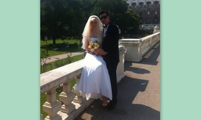 γαμος Τζουλιας