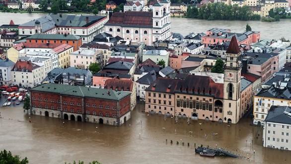 floods-586x330