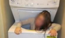 Σφήνωσε στο πλυντήριο παίζοντας κρυφτό!