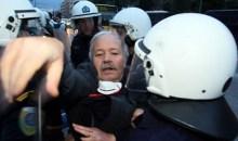 Ένταση και χημικά από τα ΜΑΤ σε διαδηλωτές της ΟΛΜΕ – Μια γυναίκα τραυματίας