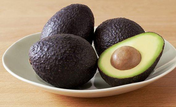 ripe-avocados-on-counter
