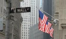 Στα χρώματα της Ελλάδας το Χρηματιστήριο της Wall Street