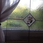 tiffany üveg az ablakban