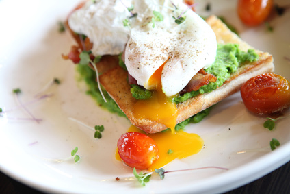 peas poached eggs