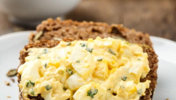 Eiersalat mit selbstgemachter Mayonnaise