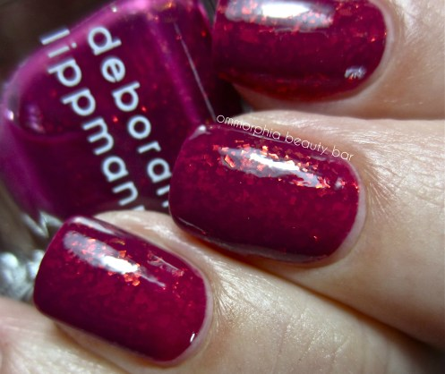 DL Raspberry Beret swatch macro