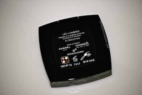 CHANEL Seduction compact back