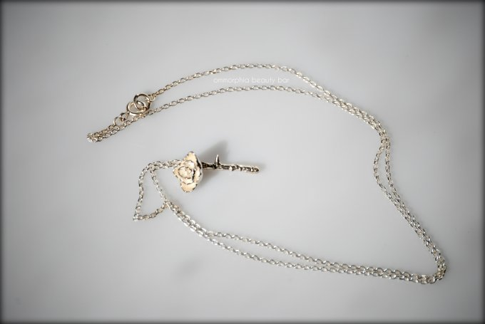 a-england roses necklace