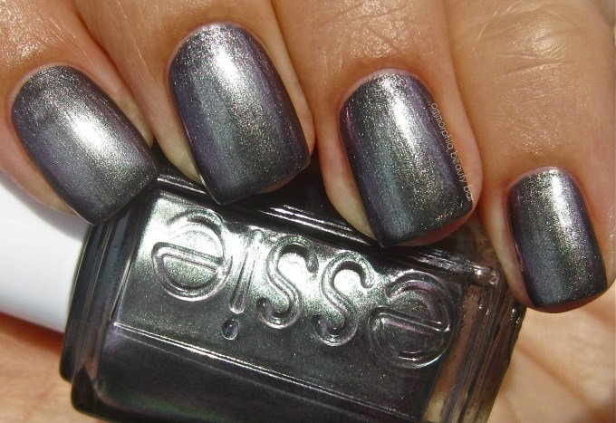 essie for the twill of it swatch 5