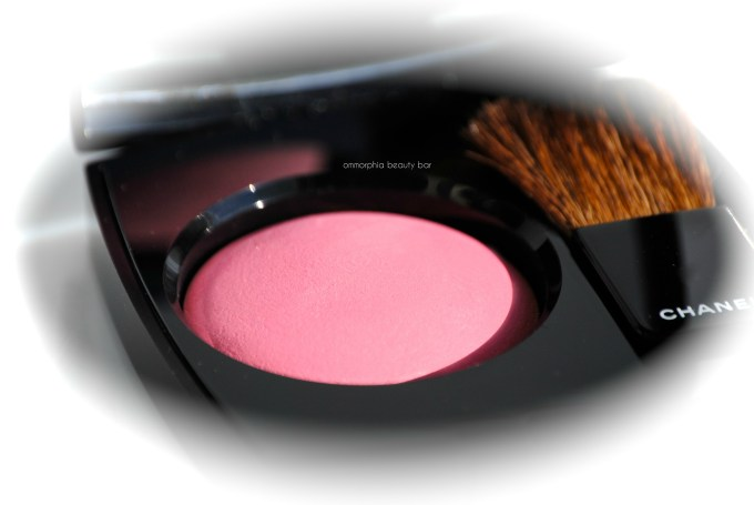 CHANEL Crescendo Blush macro 2