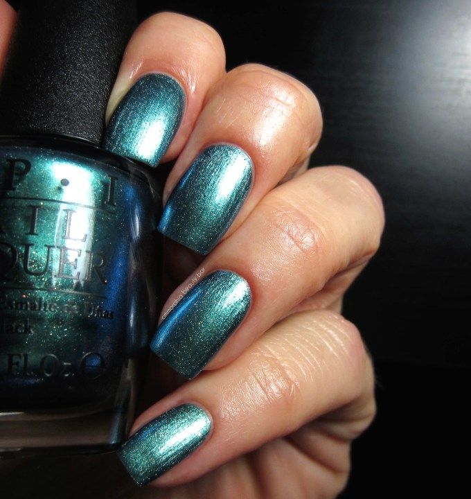OPI This Colors Making Waves swatch
