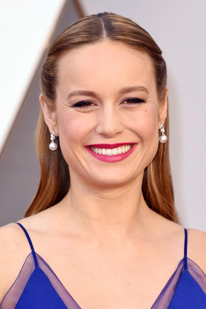 Brie-Larson-Oscars-2016-Red-Carpet-Beauty-Vogue-28Feb16-Rex_b