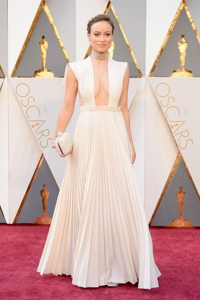 Olivia-Wilde-Oscars-2016-Red-Carpet-Vogue-28Feb16-Getty_b