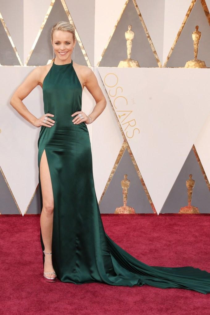 Rachel-McAdams-Oscars-2016-Red-Carpet-Vogue-28Feb16-Getty_b