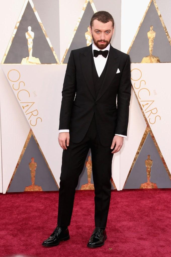Sam-Smith-Oscars-2016-Red-Carpet-Louis-Vuitton-Vogue-28Feb16-Getty_b
