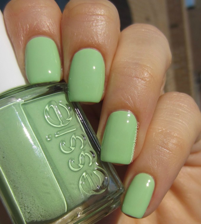 Essie Going Guru swatch