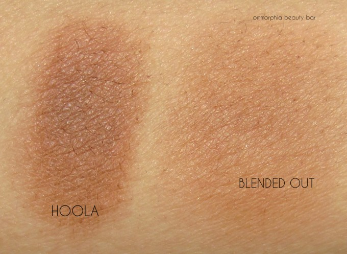 Benefit Cheekathon Hoola swatches