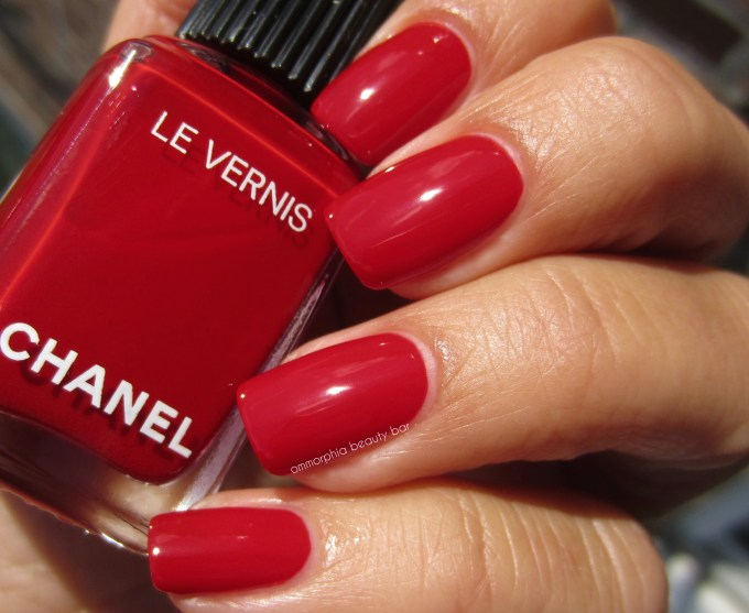 CHANEL Rouge Puissant swatch 2 coats