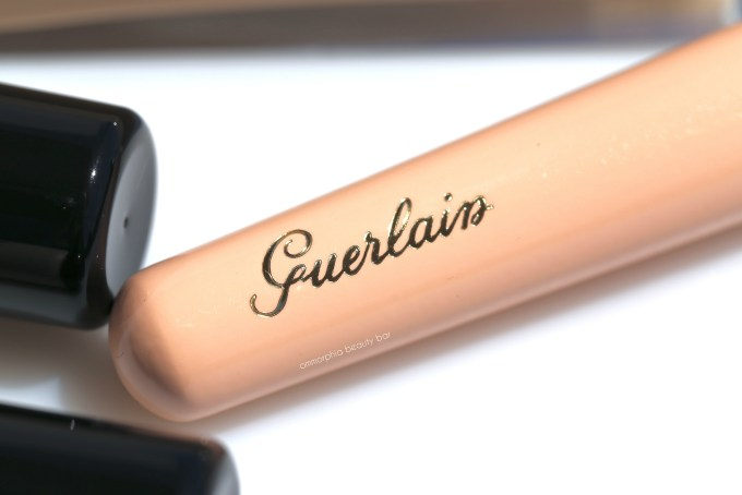 Guerlain Foundation Brush logo