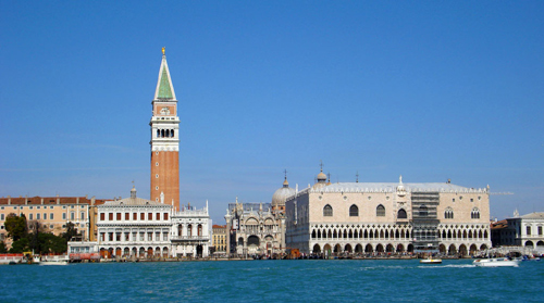 A view of the Venice Town Centre from the Grand Canal