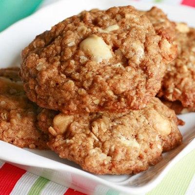 Cashew & Macadamia White Chip Cookie