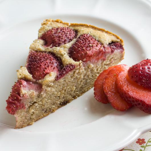 Summer Strawberries Cake