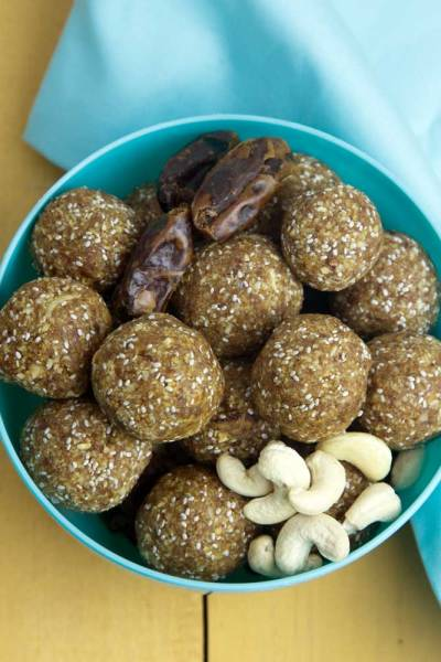 The Recipe Redux: Salted Date and Cashew Energy Balls