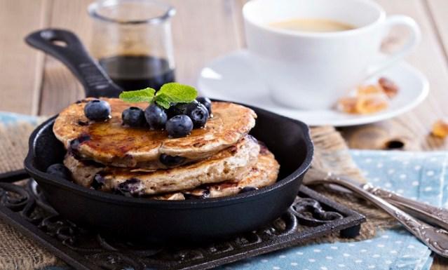 Berry-Coconut-Pancakes