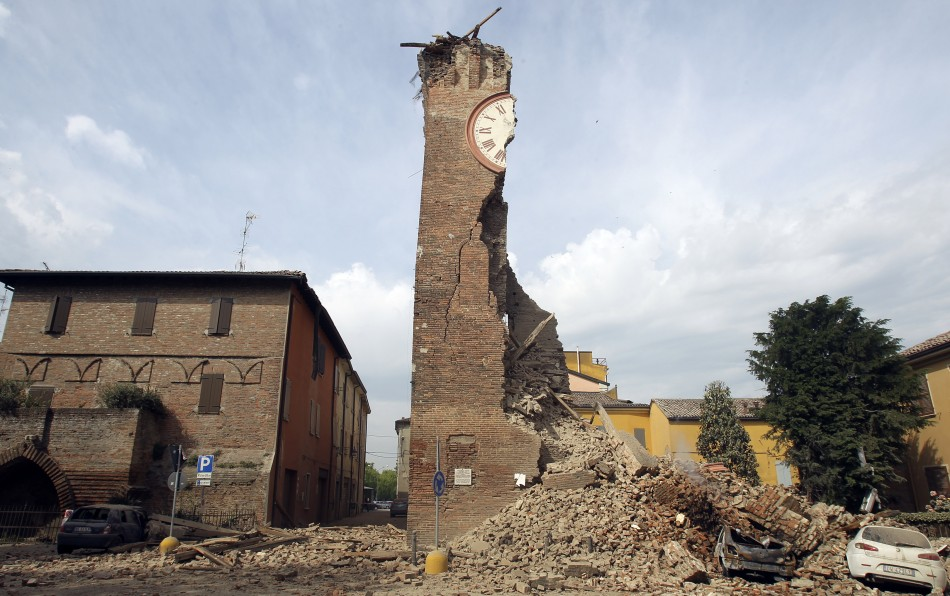 Earthquake Strikes Northern Italy Again |  Several Dead | Cinque Terre Safe (1/2)