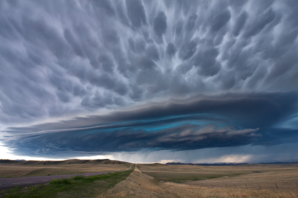 incredible supercell thunderstorm, montana