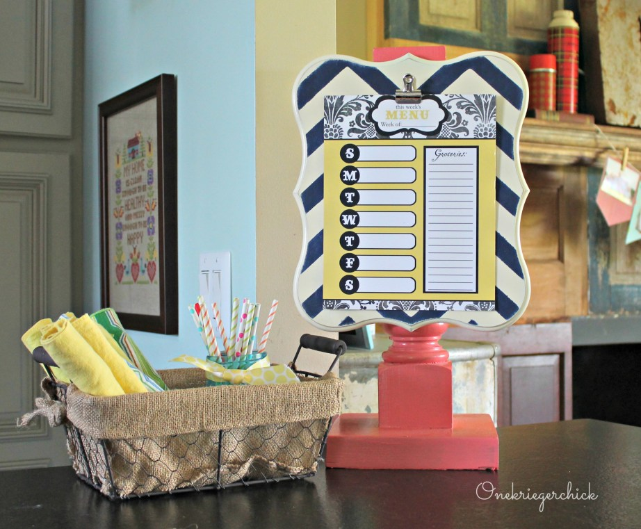 DIY Clipboard Pedestal I Poppy Seed Projects I Onekriegerchick.com