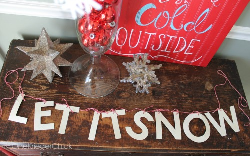 DIY Let it Snow glitter banner