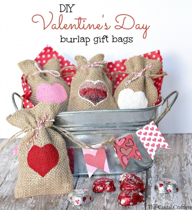 DIY-Valentines-Day-Burlap-Gift-Bags-