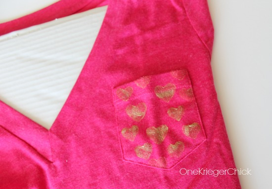 diy-stamped-heart-pocket-t-shirt