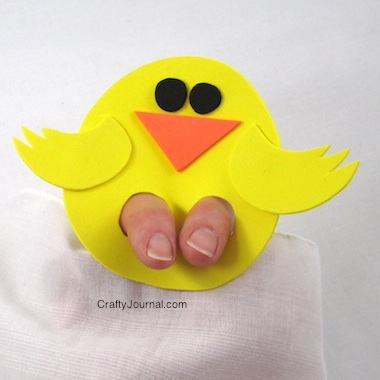 kicky-chickie-finger-puppet