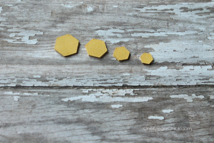 mini hexagon earrings- sizes-OneKriegerChick.com CricutExplore #DesignSpaceStar