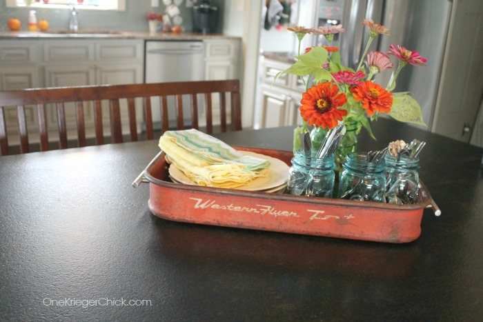 Loving this tray made from an old wagon! OneKriegerChick.com